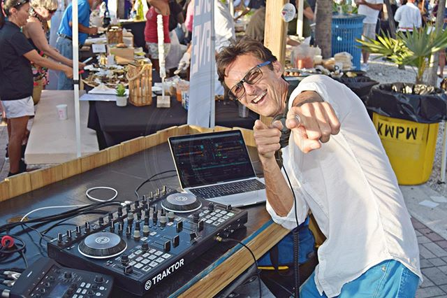 Jimmy Jamz and his signature pose 💁‍♂️ This guy always shows up with a smile and ready to party 🎉 . #keywest #floridakeys #keywestdj #djpose #weddingdj #keywestwedding #celebration #signaturepose #jimmy #jimmyjamz
