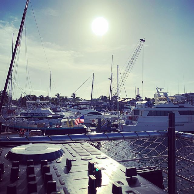 This job has its perks ⛴ . #keywest #floridakeys #keywestdj #boatparty #boatday #seratodj #pioneerdj