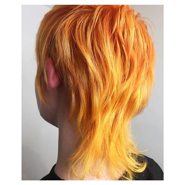 Flaming 🔥 Organic Colour Systems creating magic without all the crap that hurts our bodies and our earth. Combine with #newwash and it never fades either! Basically organic everything is better.  Hair by our babely @lookofgnar