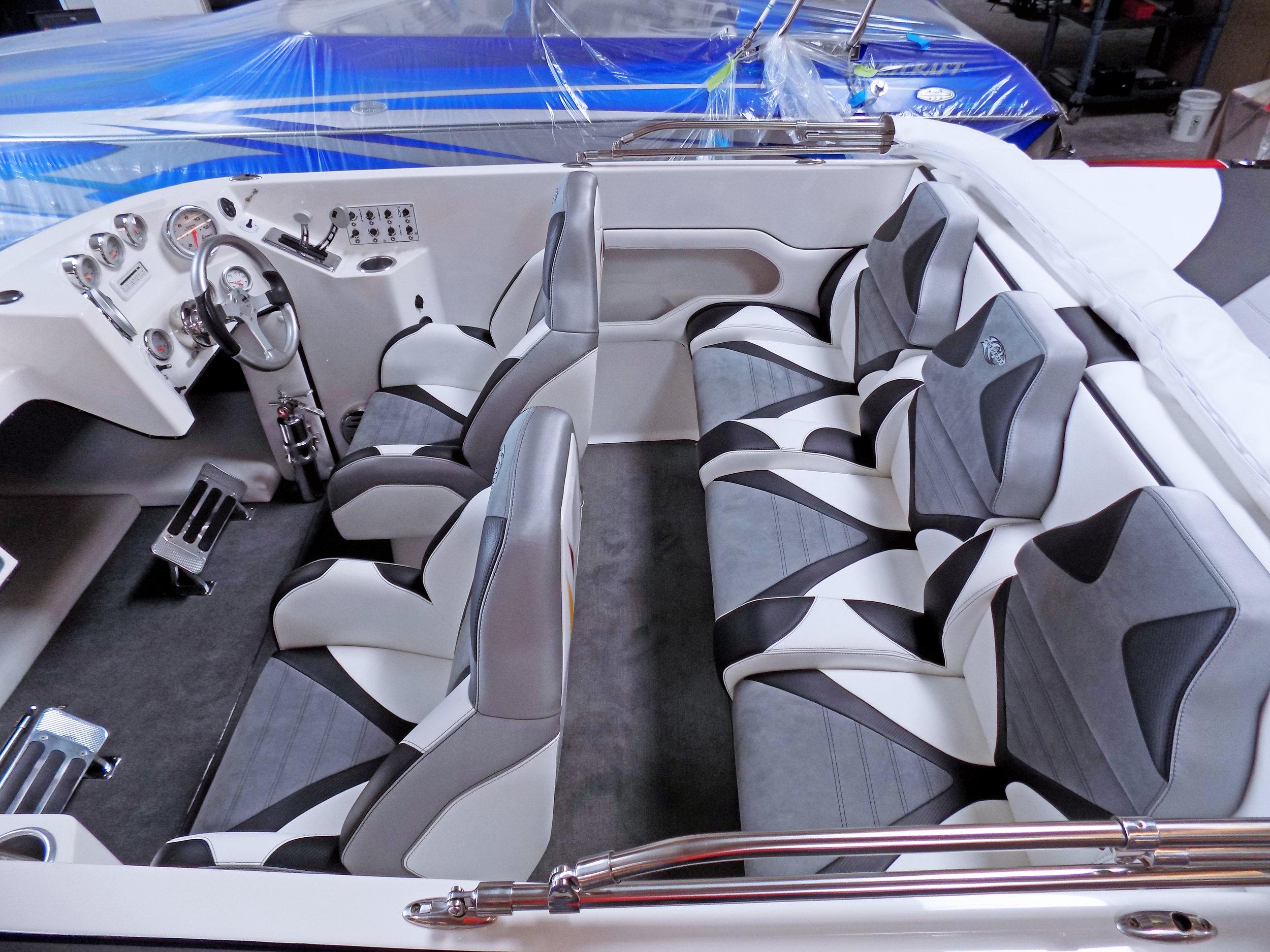 27 Sabre Lavey Craft - interior 2.jpg