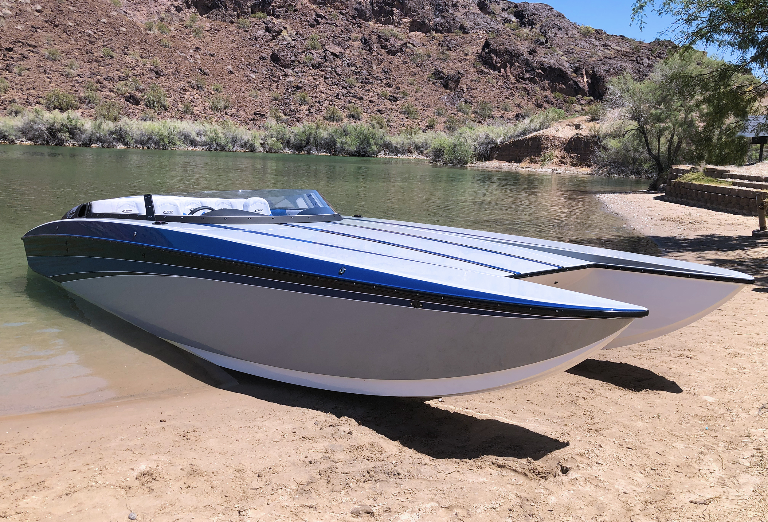 RPM 26 Redline Lavey Craft - beached.jpg