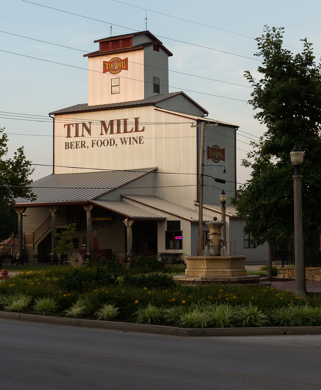 This is an excellent brewery in Hermann. Tin Mill Brewery has great seasonal beers on tap. I had a sour imperial red ale that was heavy on the oak which was a great capper to the day.