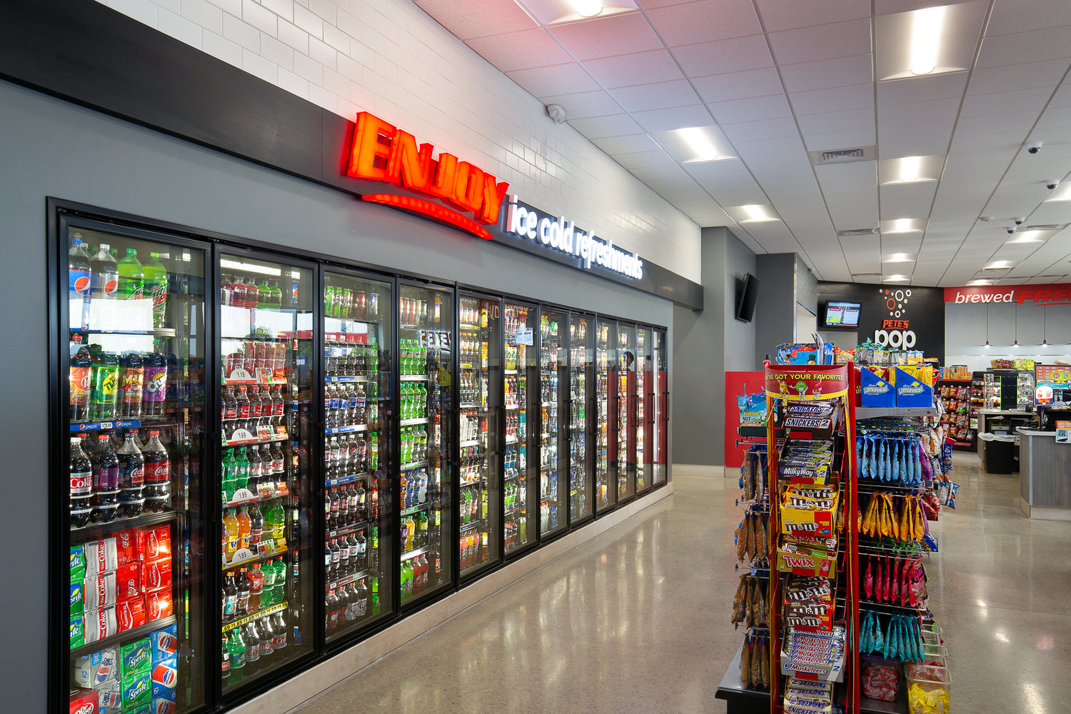 04_ThompsonPhotography_20180607_Pete's+Convenience+Store (1).jpg