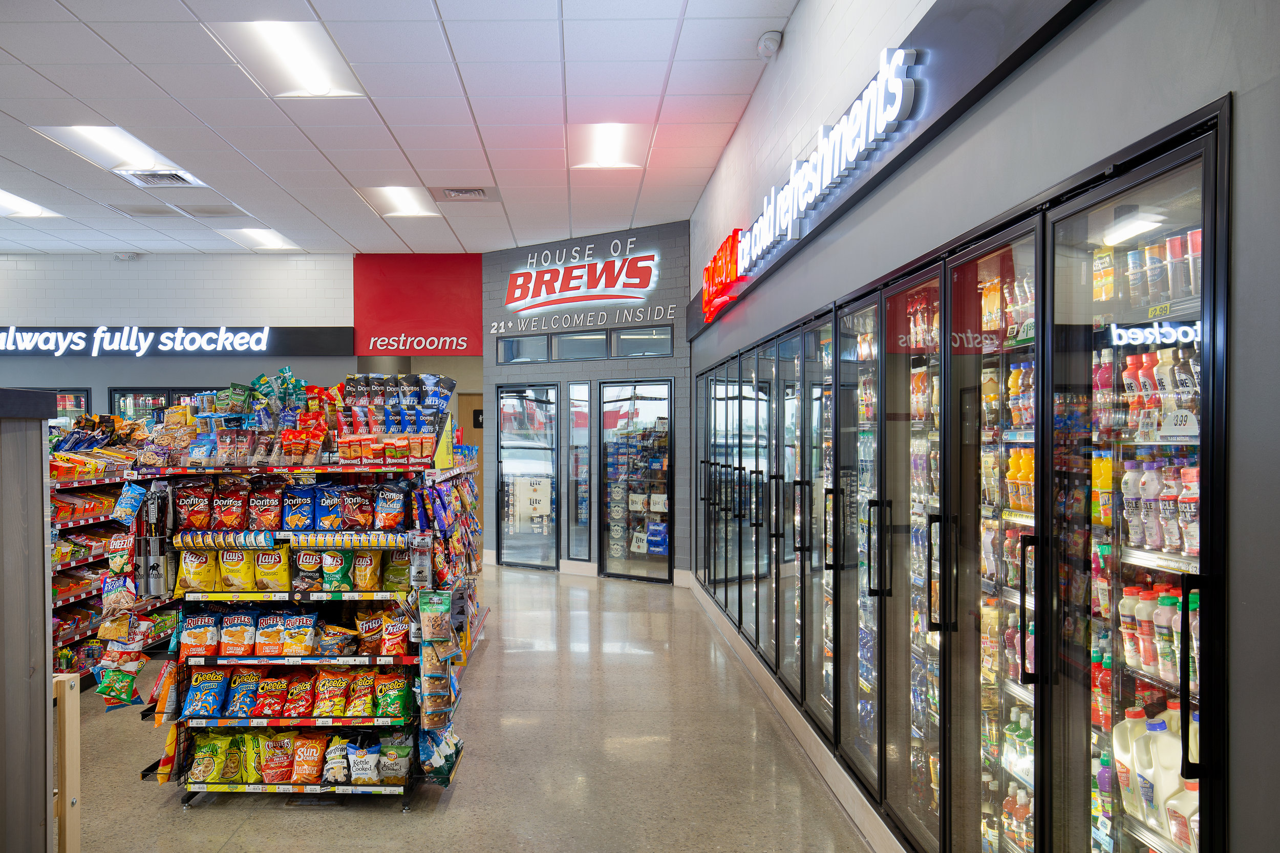 11_ThompsonPhotography_20180607_Pete's+Convenience+Store (1).jpg