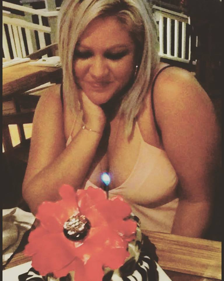 #Throwback to my 30th on the Big Island with Lynn, Charlie & Joann. That cake tho! ❤️