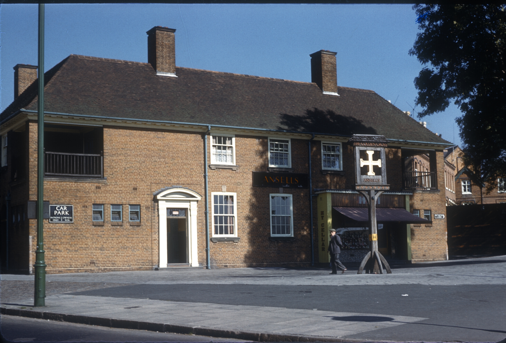 Harborne Golden Cross Public House, Corner of Metchley Lane. 25th September 1961