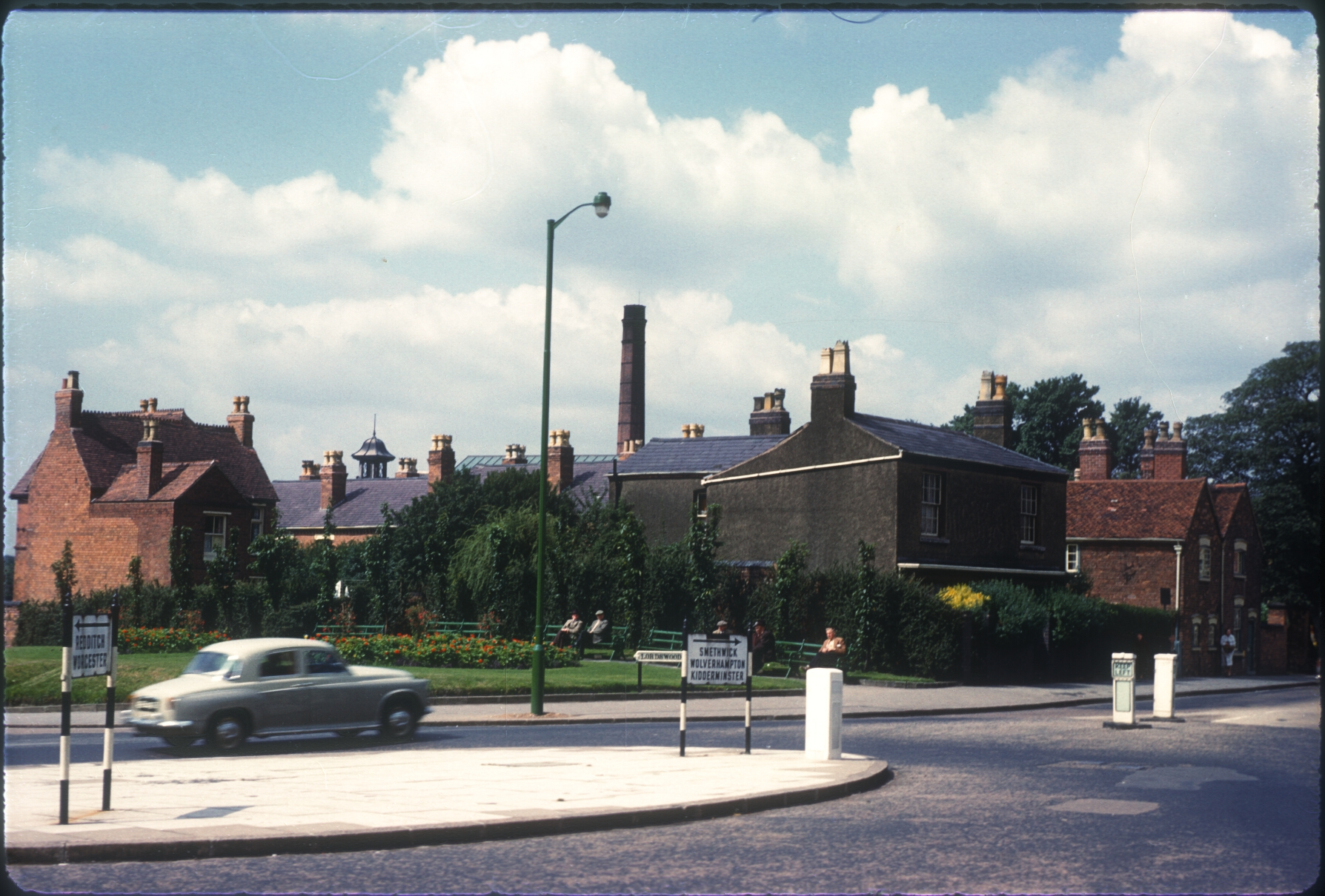 Harborne, Lordswood RdHigh St Corner (Houses on corner built 1790) 12th August 1960 (2)