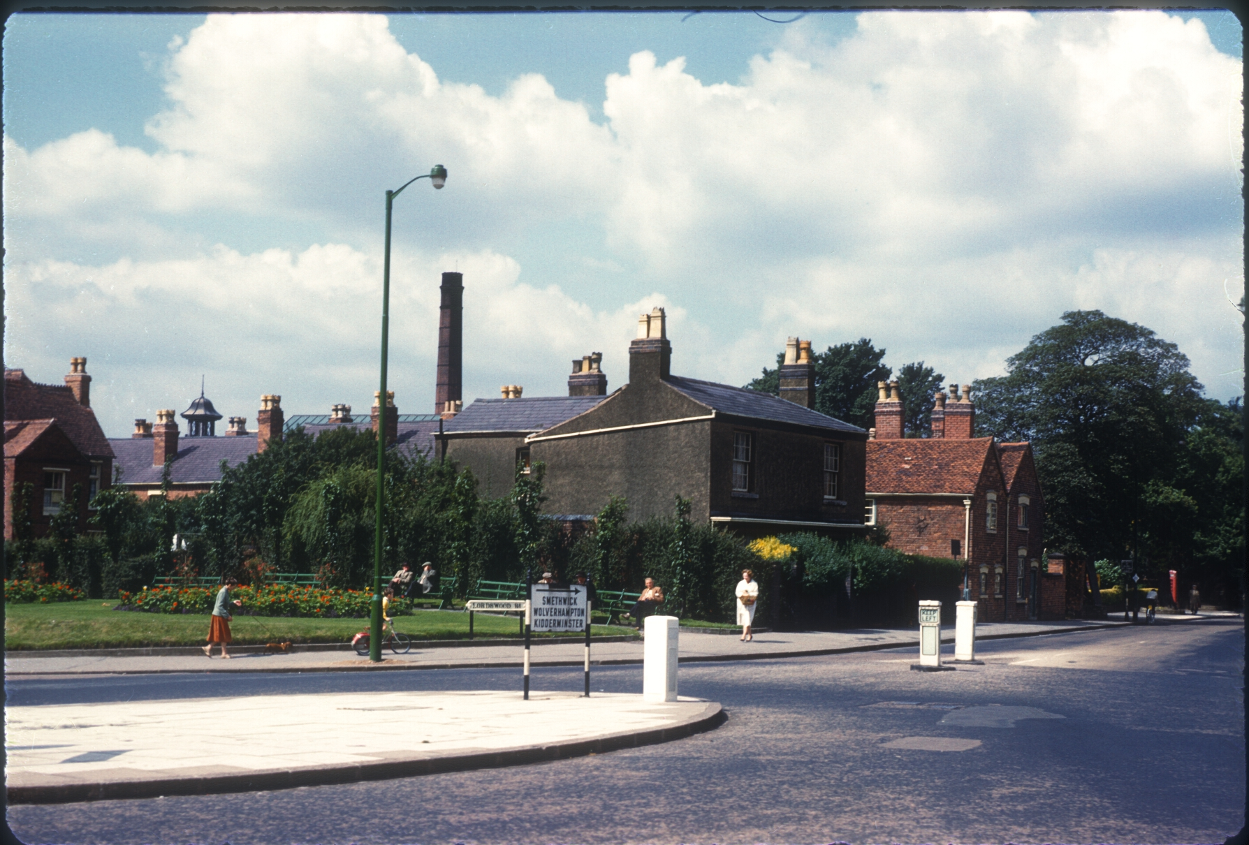 Harborne, Lordswood RdHigh St Corner (Houses on corner built 1790) 12th August 1960