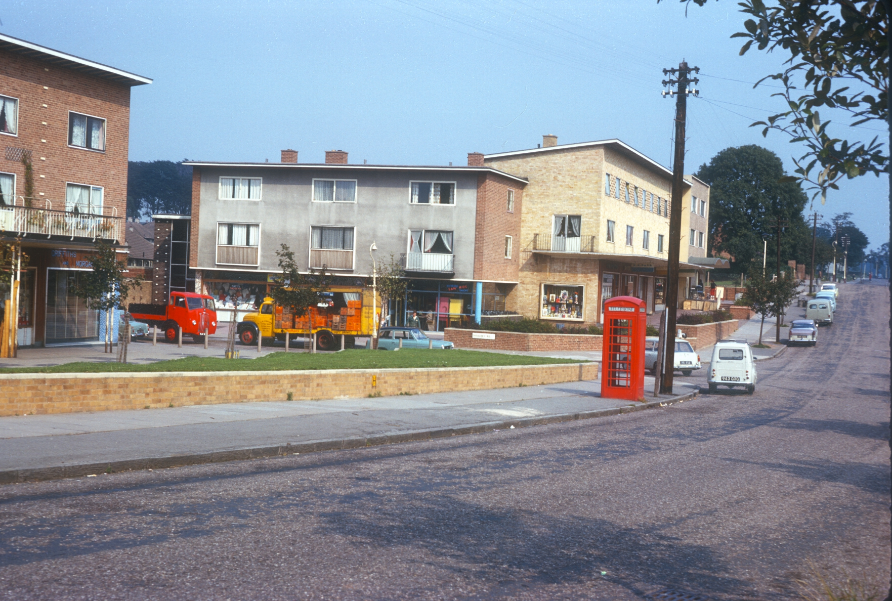Boundary - Kings Norton right, Northfield left. New Shopping Area, Houdley Road. 12th September 1963