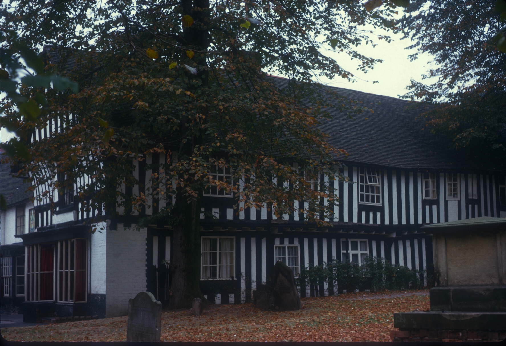 Kings Norton, Saracens Head, adjoining Parish Church. 5th October 1964
