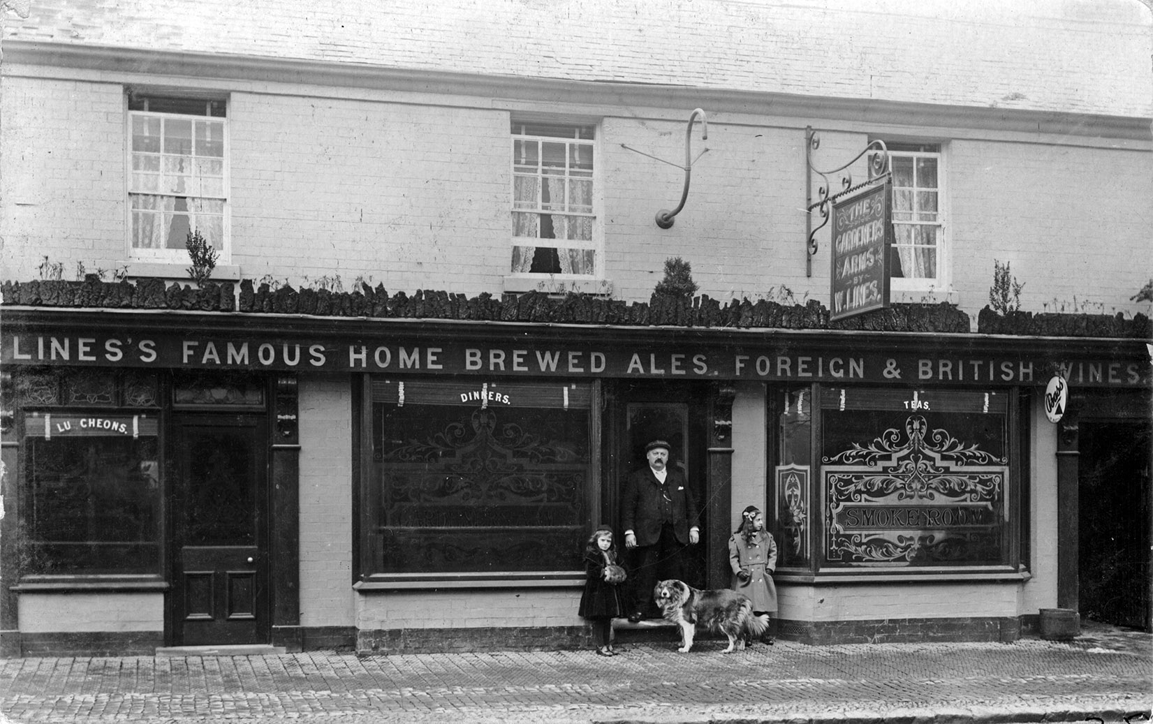 The timber-framed Gardeners' Arms opened in Solihull High Street in the 1860s and was demolished in 1971. There was a murder at the pub in 1880 when a young Irishman was shot and killed. The murderer (also an Irishman) subsequently fled to America for five years but was brought to trial in 1885, convicted of manslaughter, and sentenced to 20 years penal servitude. The Honey Club now occupies the site of the Gardeners' Arms.