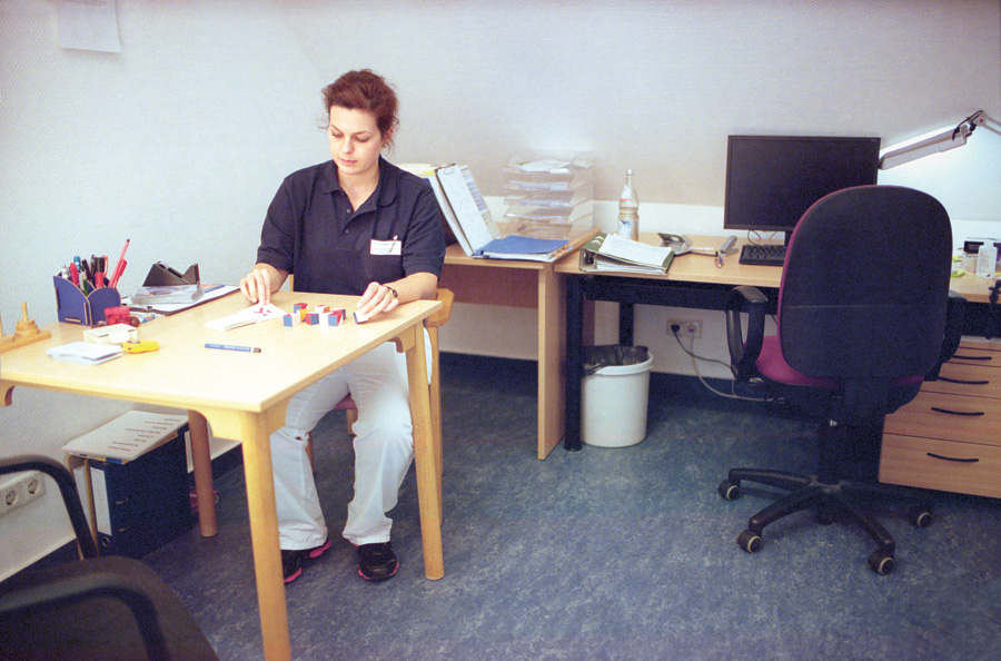 Neuropsychologie-Therapeutin Frau Lange.