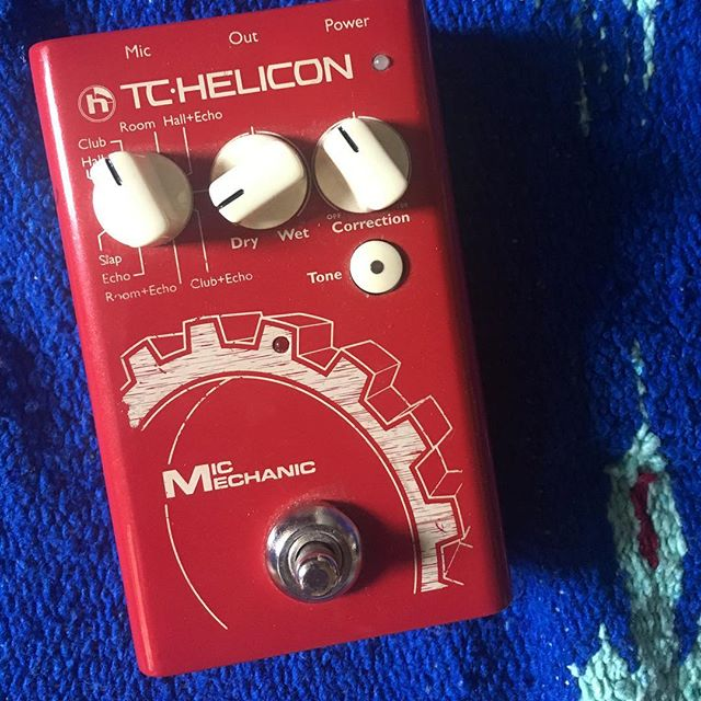 moving + selling ~ 100 OBO 🌸 TC Helicon Mic Mechanic 2 (vocal effects pedal w/reverb, delay, pitch correction, adaptive tone) dm me / can pick up local in dc / nyc this week ✌️