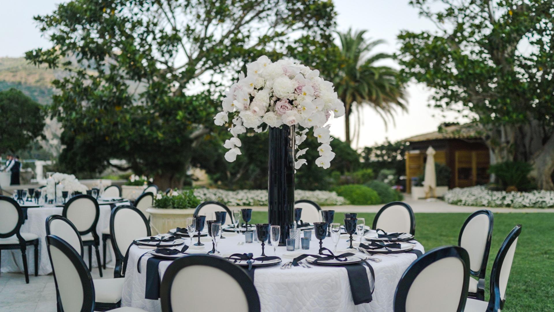 fantastic table setting in cap estel wedding