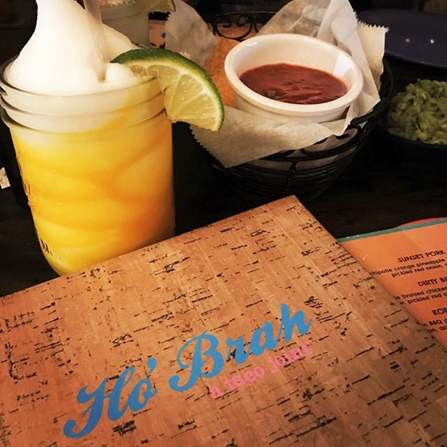 Picture-perfect #ThirstyThursday! @hobrahtaco