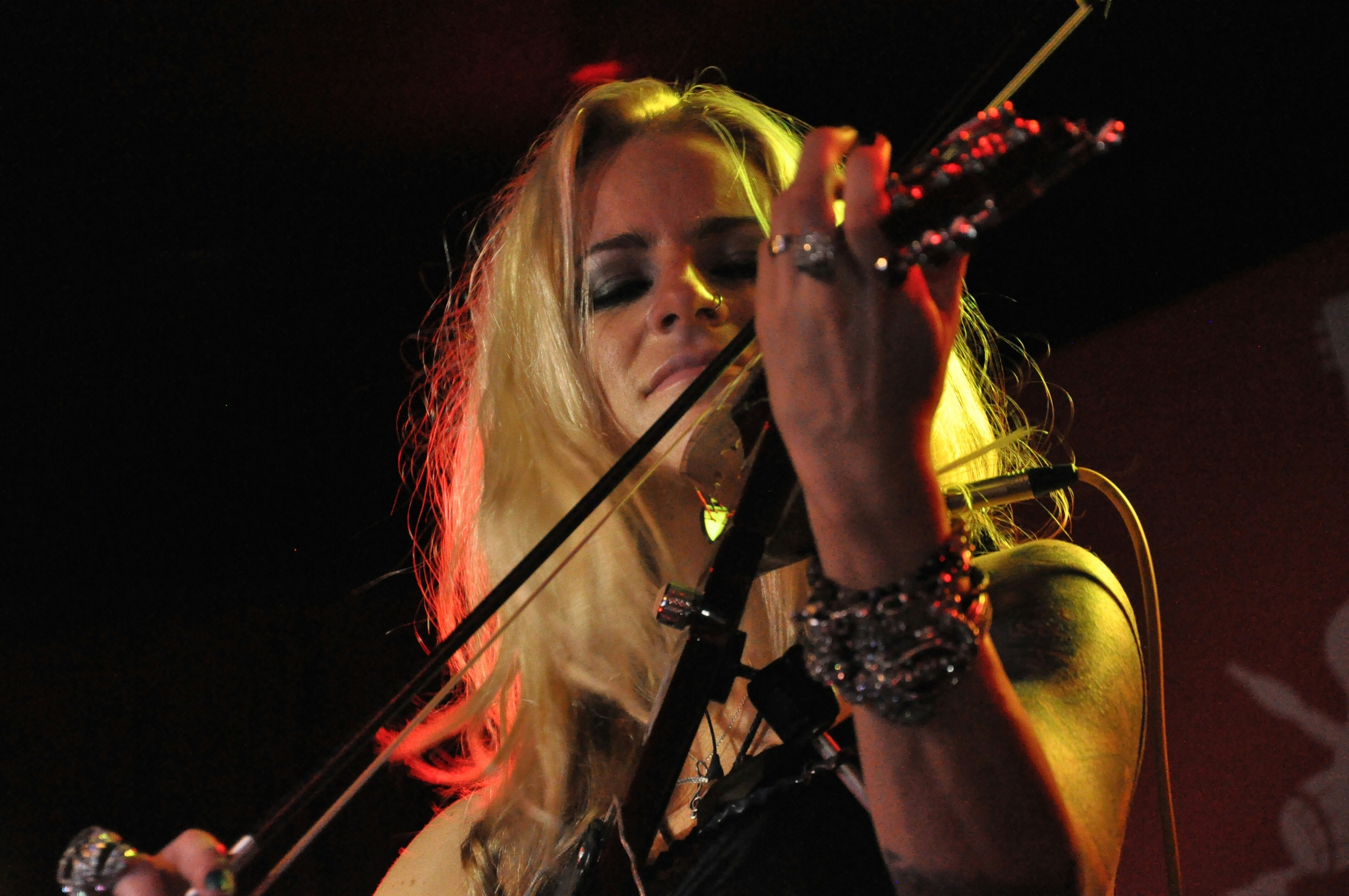 Sally Jo - Violin