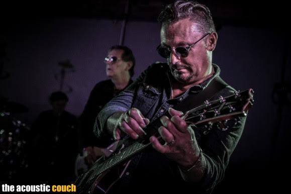 Guitarman Al Vosper shows off his virtuosity