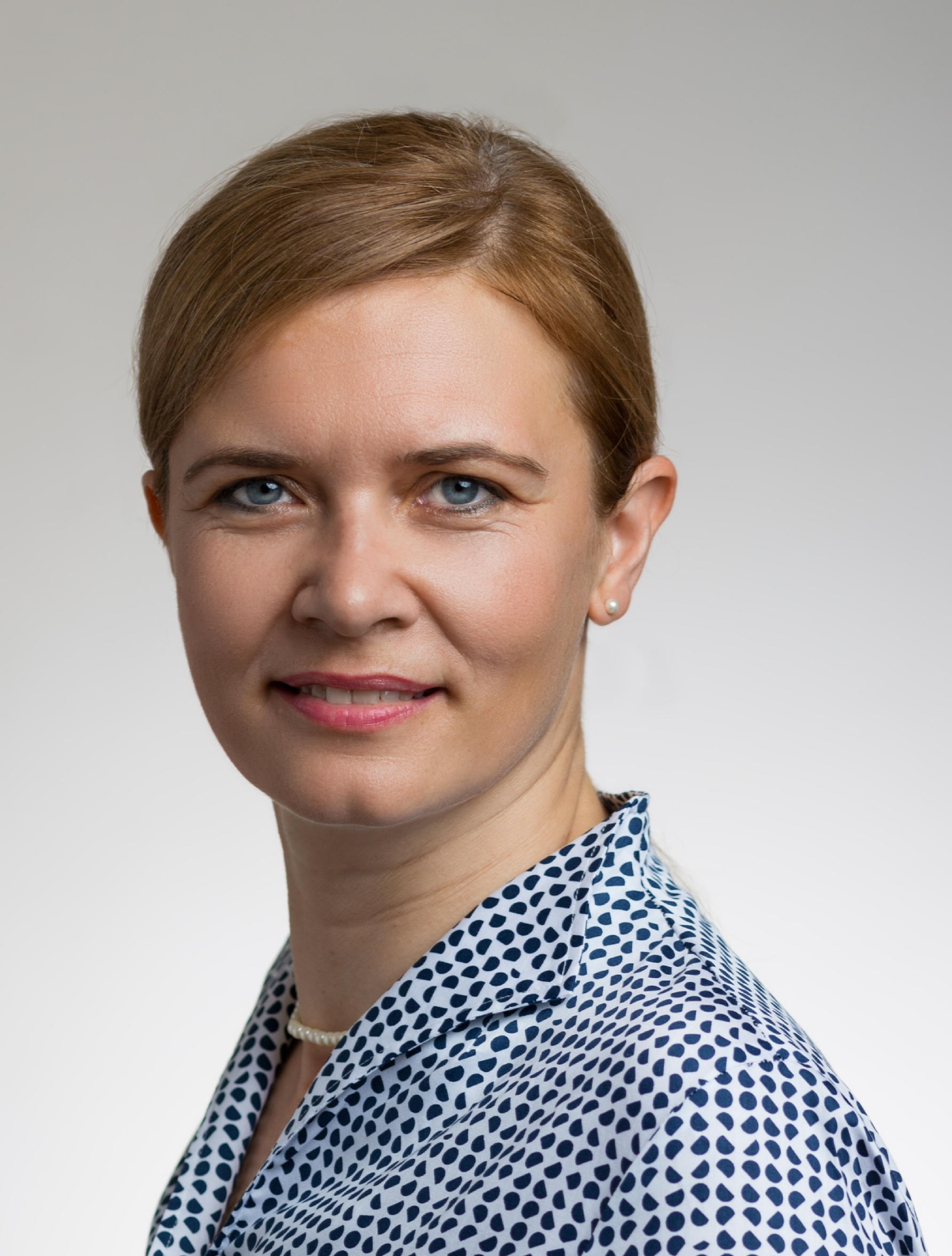 - Dr. Kámán joined BioBlocks, Kft. in April 2008 as a project leader. Since this time she has been in charge of developing screening leads into a novel, patentable series, capable of producing a drug candidate in a one to three year time frame. She is currently supervising a team of 18 chemists, responsible for project management, customer relations and communication. During her employment at BioBlocks, she supervised two PhD students, who were working on palladium-catalyzed chemistry. Between 2005 and 2008, Dr. Kámán worked at Ubichem (Soneas), where she was the leader of a four-member group involved in the planning, development and production of organic compounds on scales up to 100's of grams. Previously, Dr. Kámán spent 4 years in a post-doctoral position at Laboratory for Organic and Bio-organic Synthesis, Department of Organic Chemistry, University of Gent, Belgium. Two of these years were supported by the Marie Curie Fellowship. She was awarded a Ph.D. in Organic Chemistry from University of Szeged. Dr. Kámán is a co-author of 10 publications.