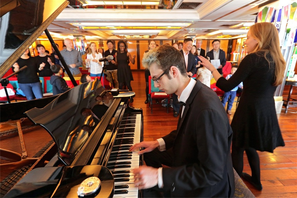 The Oxford Gargoyles led a singing workshop at the China Club during the 2014 Oxford Asia Alumni Weekend in Hong Kong.