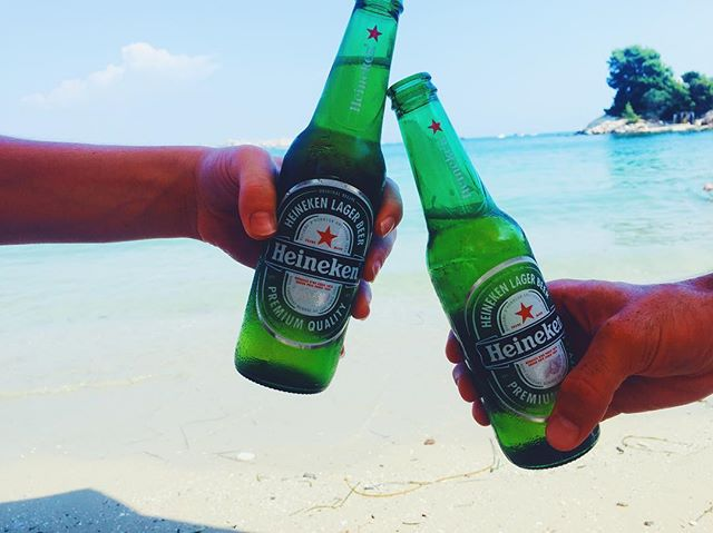 Current mood. @autumnalden can we go back to having Italian (colored) beer in #italy? #heineken #sicily 🙏🏻🍻🐚