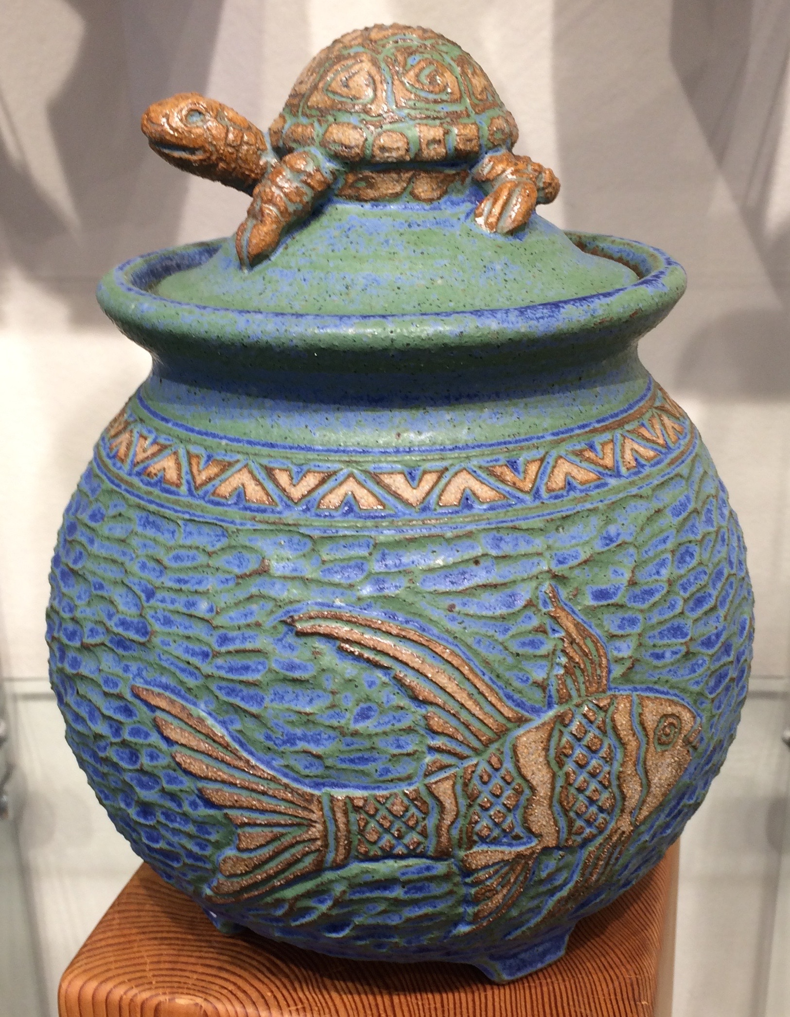 Turtle and Fish Jar