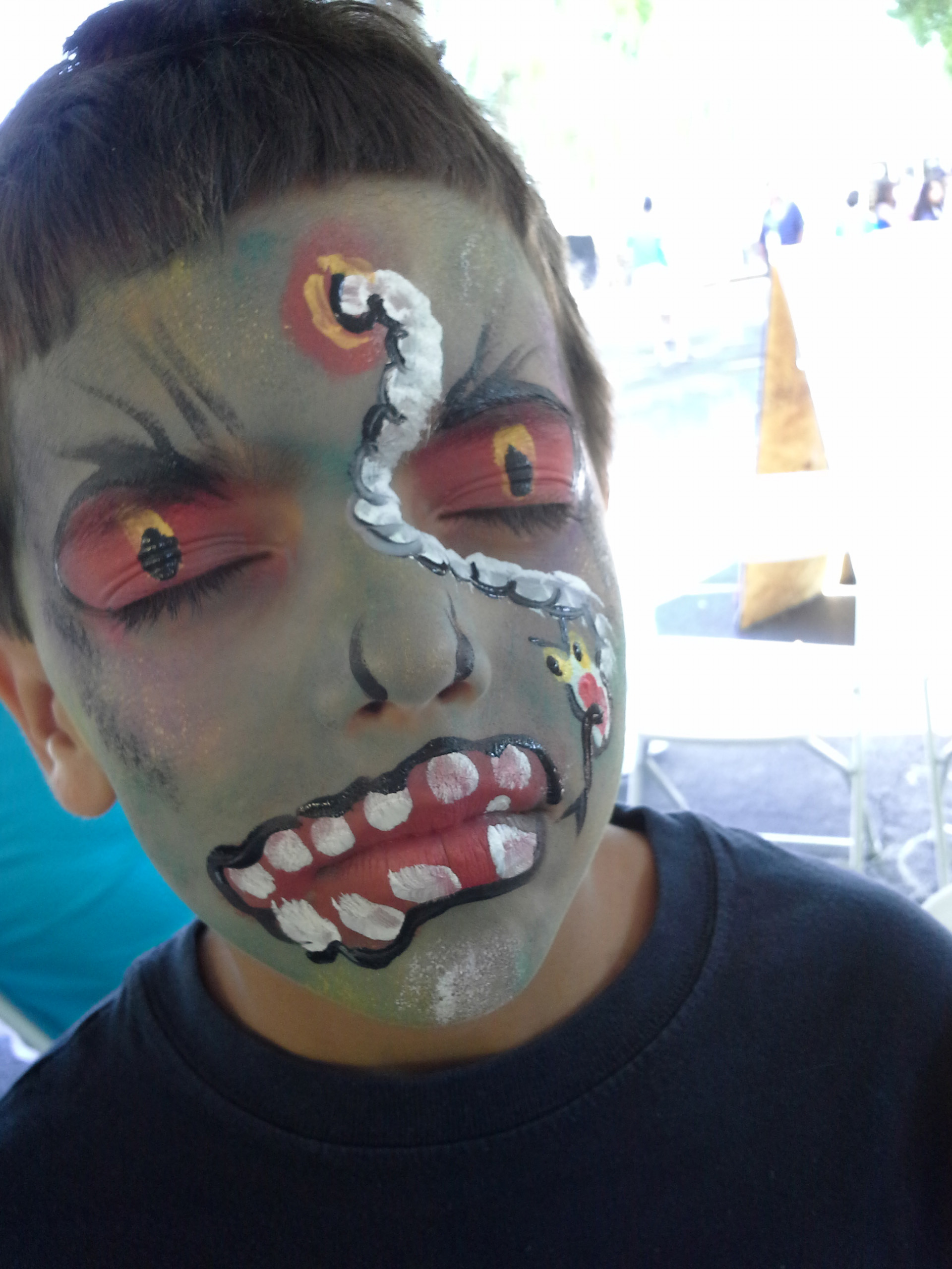 ZombievsPlant.jpg