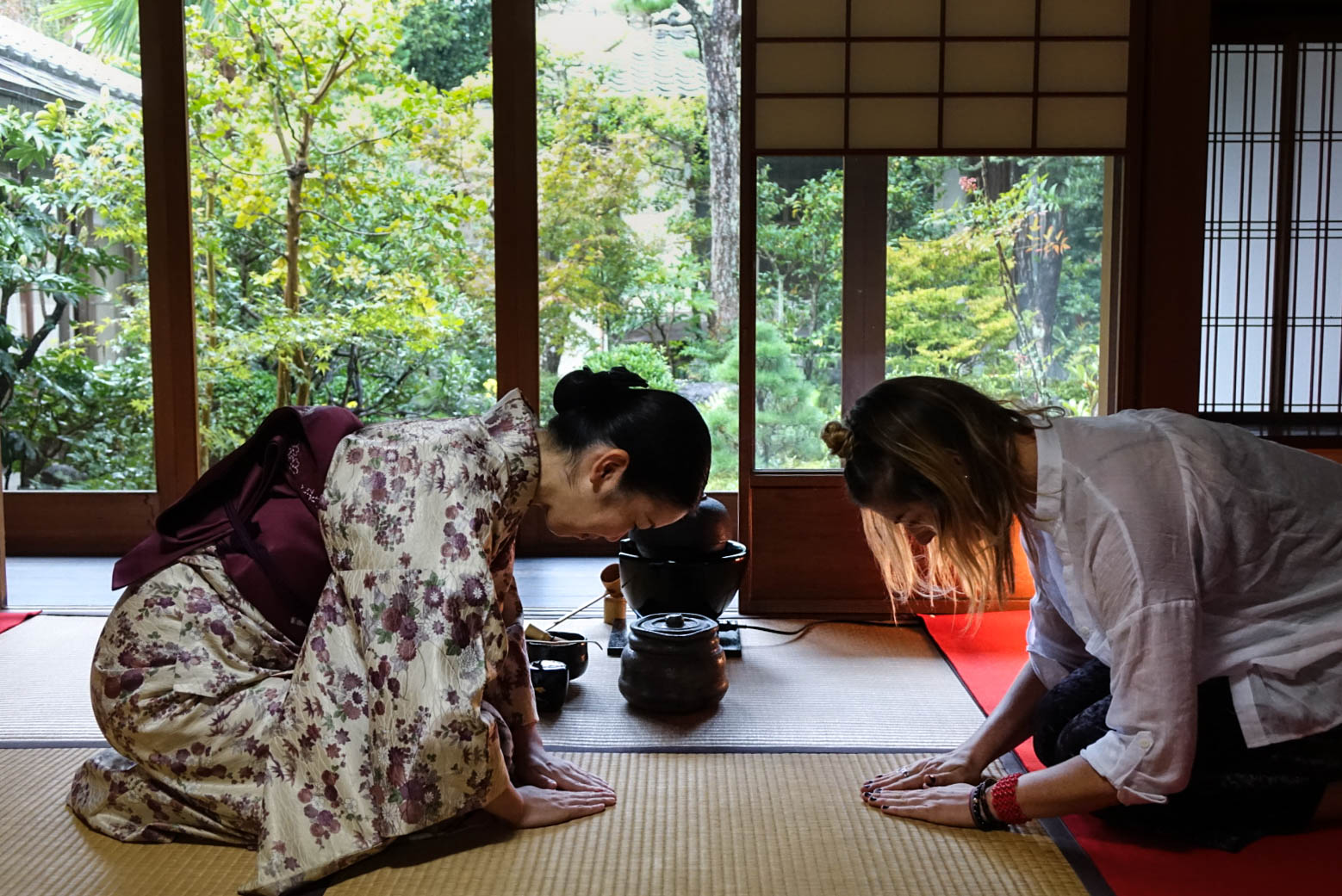 tea ceremony bowing (1 of 1).jpg