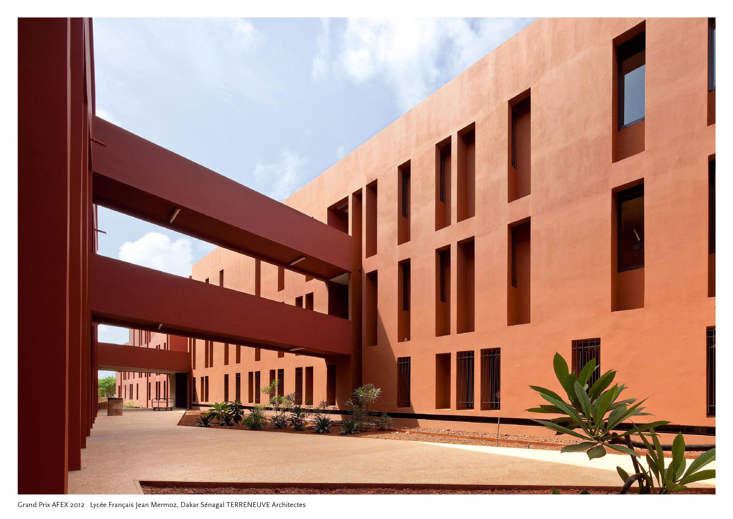 Terreneuve Lycée français Dakar © Daniel Rousselot.jpg