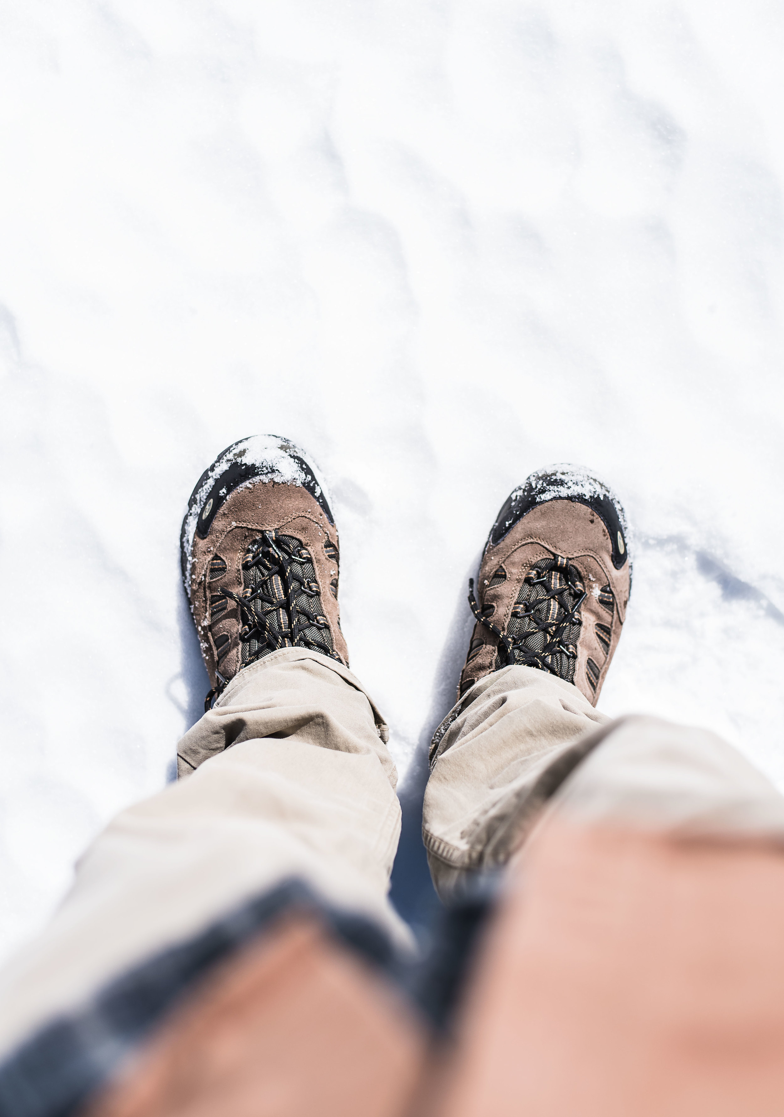 feet-snow.jpg