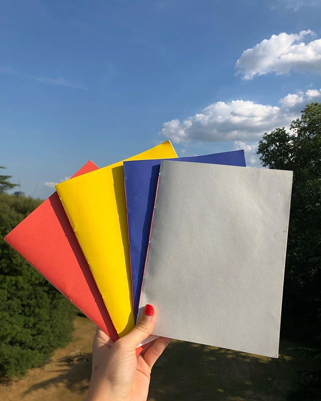 Earlier this year I took a book binding course. I've been making my own journals for myself and as gifts for friends since 📚 A few people have asked me if I'm selling them - I'm not currently but am wondering if anyone would be interested in buying them if I did? They're about 28 pages with a coloured cover sheet and bound with contrasting coloured thread 👌