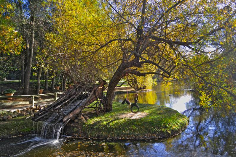Malibu Cafe Calamigos Ranch Pond.png