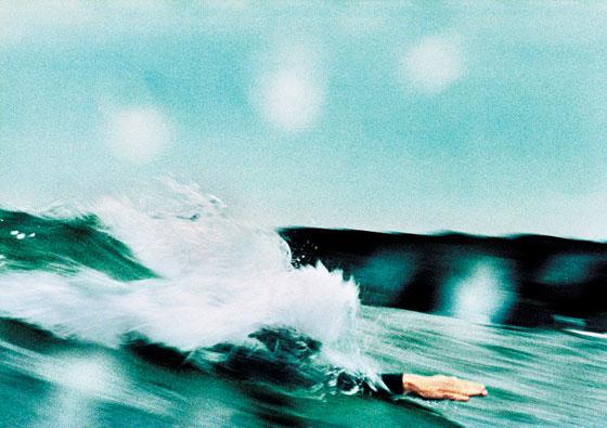 new york magazine / rockaways bodysurfing / photograph by pari dukovic