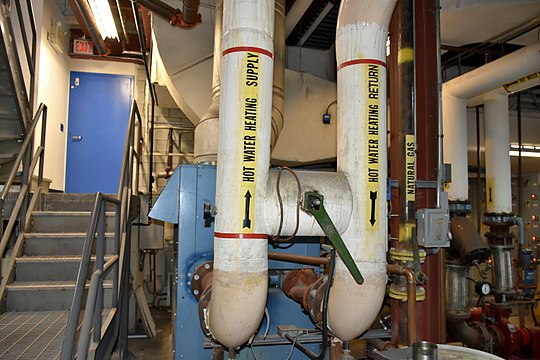 540px-Water_Boiler_Supply_and_Return_Piping.jpg