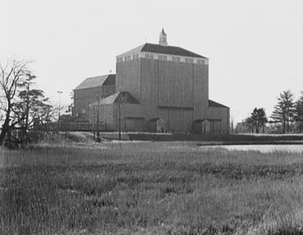 The American Shakespeare Theater building, in Stratford, Conn., in 1955, in its heyday. The building burned to the ground last weekend.