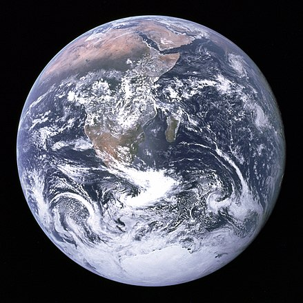 440px-The_Earth_seen_from_Apollo_17.jpg