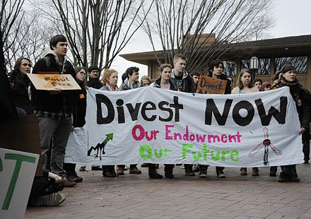 Student demonstration against Tufts University's fossil-fuel investments