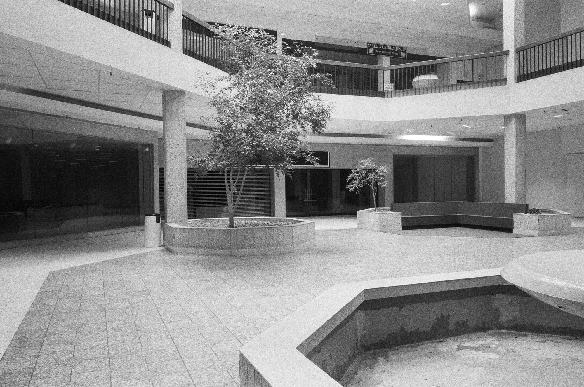 Randall Park Mall (View of Fountain, Seating Area), North Randall, OH, Est. 1976, Demo. 2014    2009   Analog slide shown via slide projection,35mm slide, dual projection with dissolve unit  Dimensions variable   American Passages, 2009–