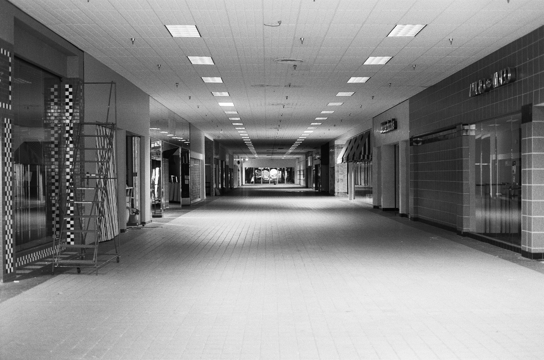 Lockport Mall (View of Interior), Lockport, NY, Est. 1971, Demo. 2011    2009   Analog slide shown via slide projection,35mm slide, dual projection with dissolve unit  Dimensions variable   American Passages, 2009–
