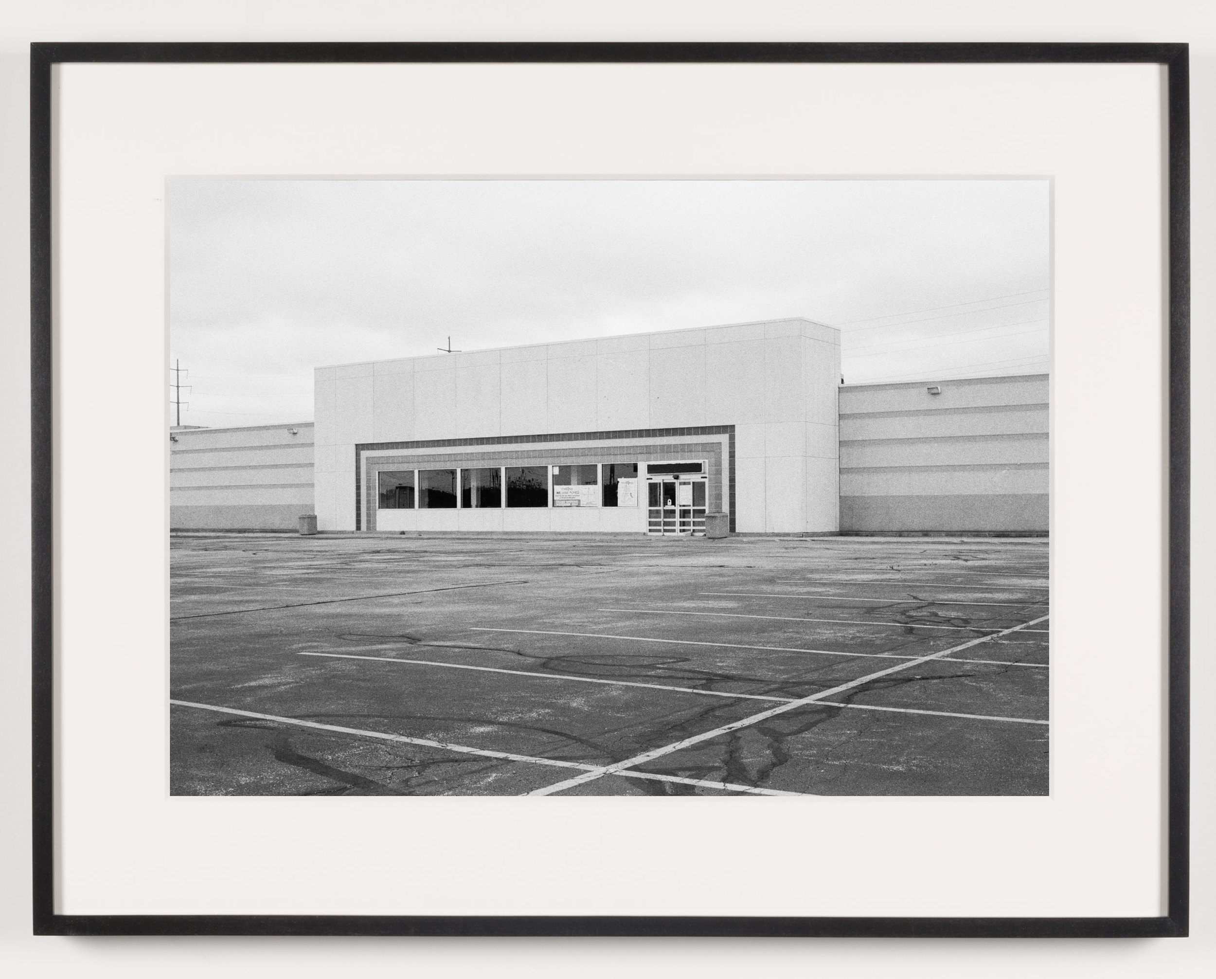 'Toys 'R Us' (View of Exterior), North Randall, OH, Est. 1986    2011   Epson Ultrachrome K3 archival ink jet print on Hahnemühle Photo Rag paper  21 5/8 x 28 1/8 inches   American Passages, 2001–2011