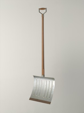 Marcel Duchamp, In Advance of a Broken Arm, 1915, wood and galvanized iron snow shovel, 132 cm high