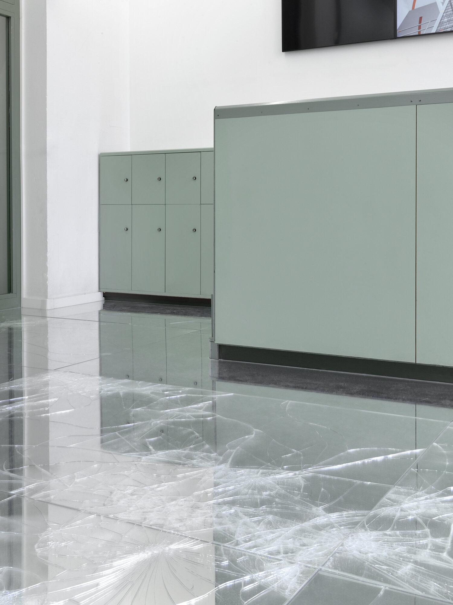 Untitled (Musée d'Art moderne et contemporain, Geneva, Switzerland, 29 mai–8 septembre, 2019)    2019   Laminated mirror and glass, neoprene  Dimensions variable   Mirrored Floor Work, 2009–