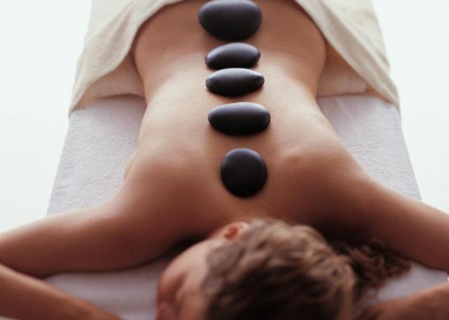 1_hotstone_massage.jpg