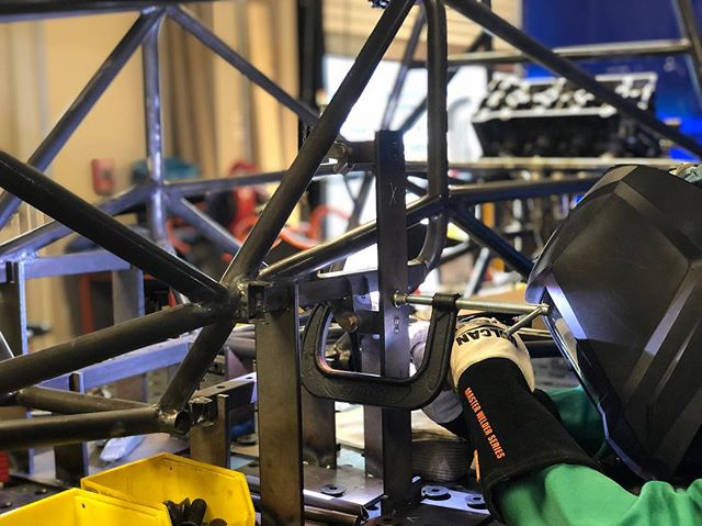 Sunday night welding with Tony ⁣ ⁣ #formula #formulasae #formulastudent #erau #eraumotorsports