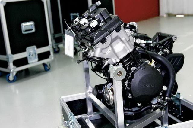 honda-cbr600rr-cbr-moto2-race-bike-engine-sport-motorcycle-supersport-600rr-cbr600-2.jpg