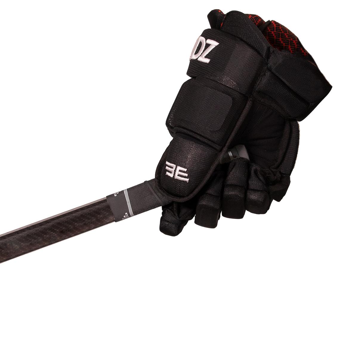 BUTT-Future-Black-Glove-Right-02-WHITE-WEB.jpg