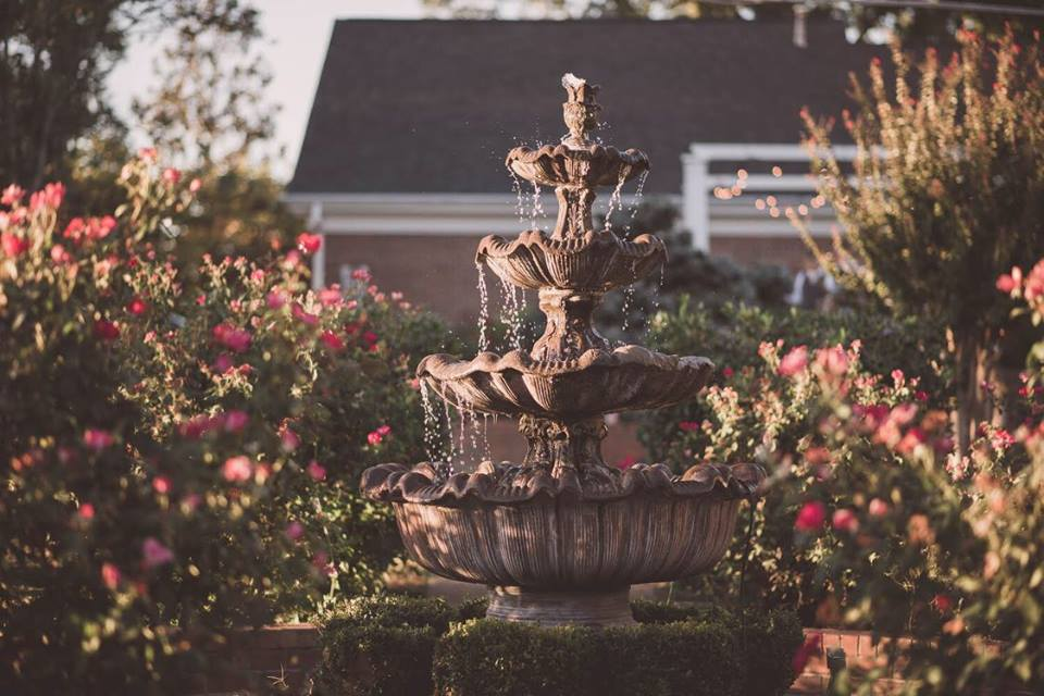 61- picture of fountain.jpg