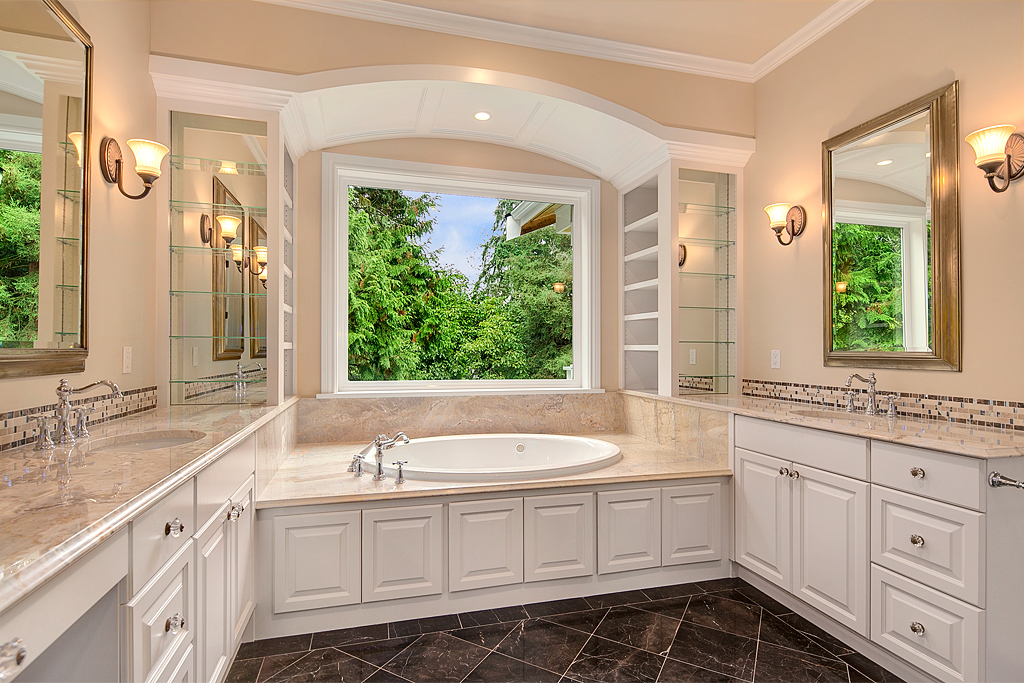 masterbathroom_mls.jpg