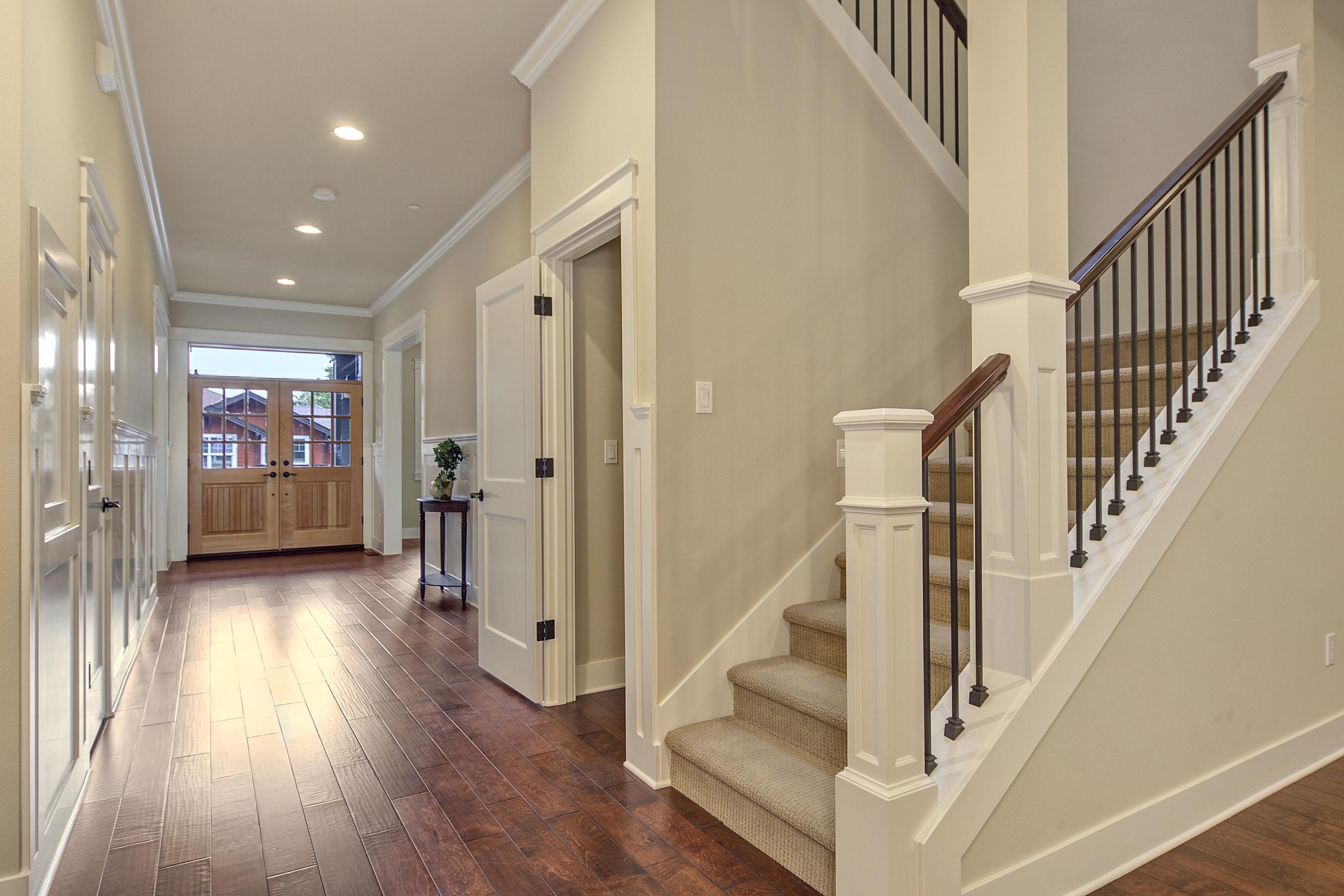 12_hallway.jpg