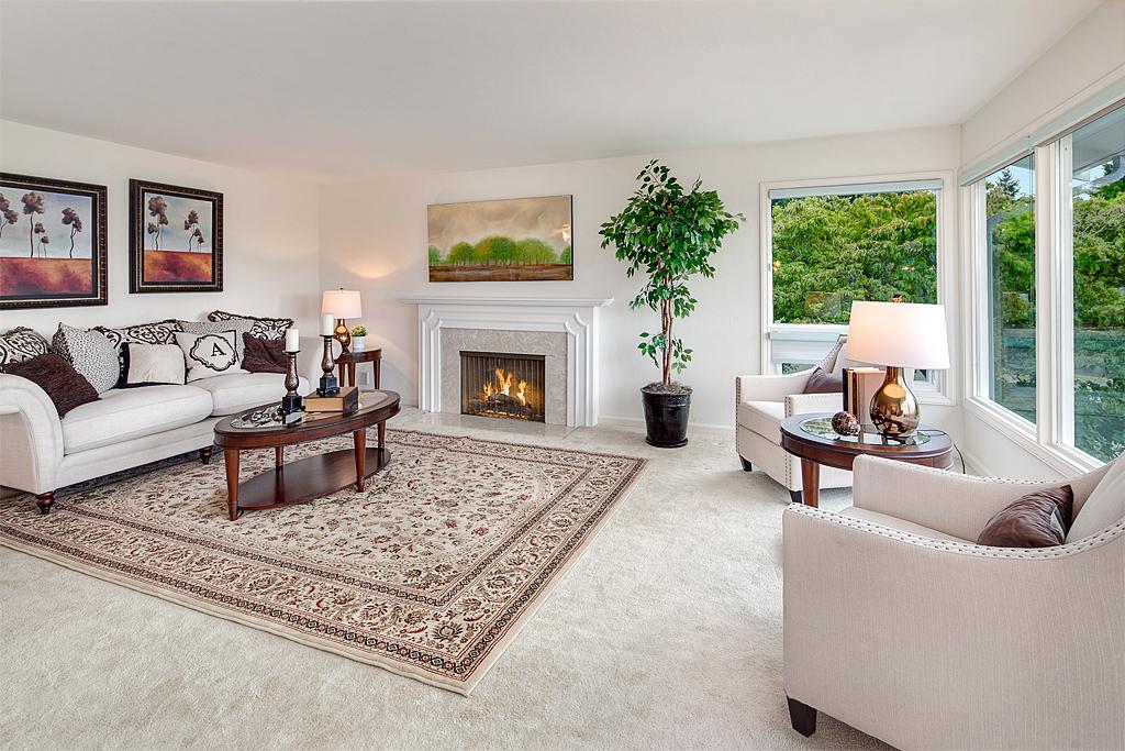 livingroom_mls.jpg