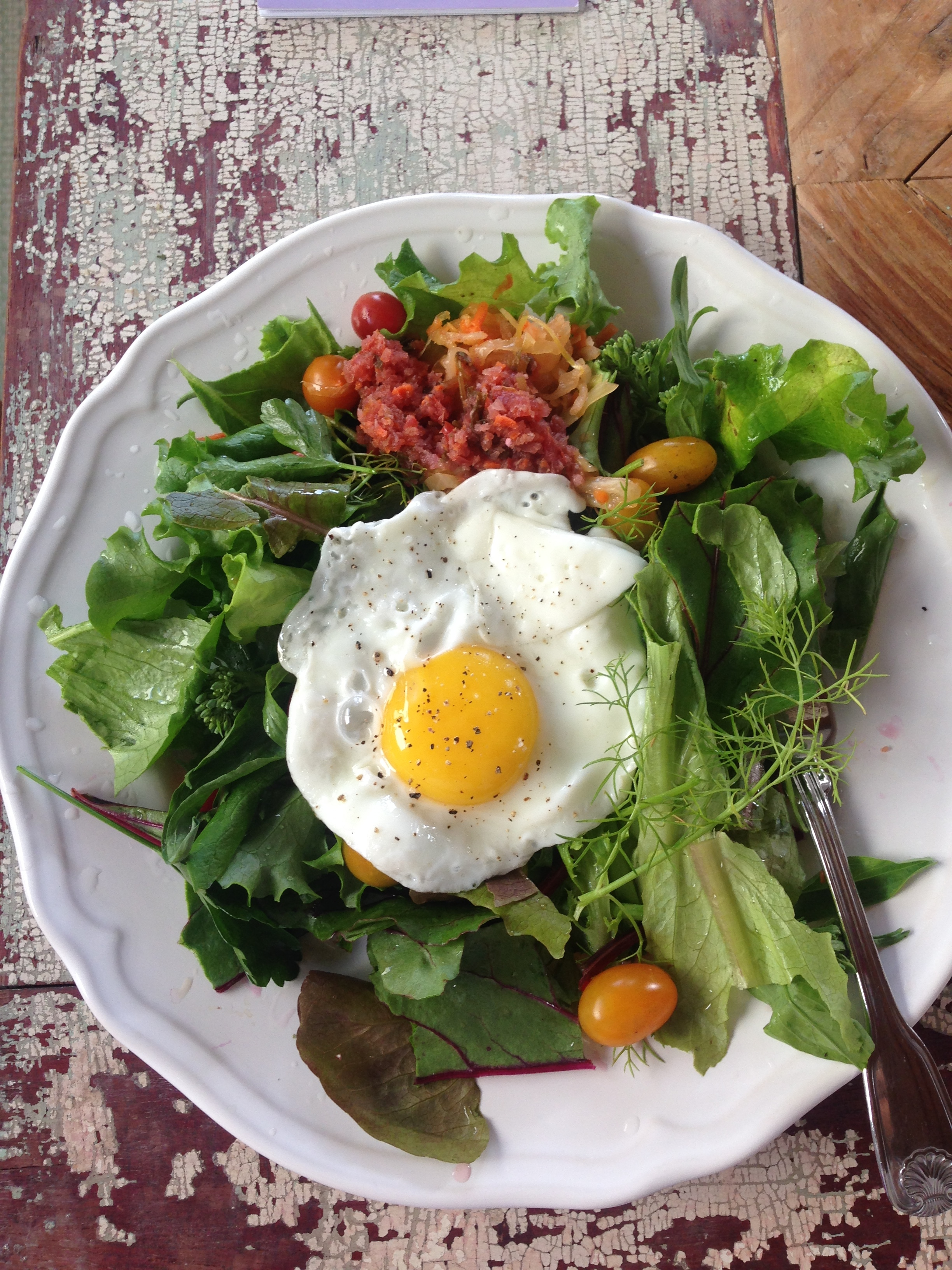 Ok, that's about $1.50 for a killer pastured egg on a killer backyard salad - 5 minute breakfast, lunch or dinner!